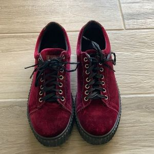 Roots 39 velvet creeper sneakers